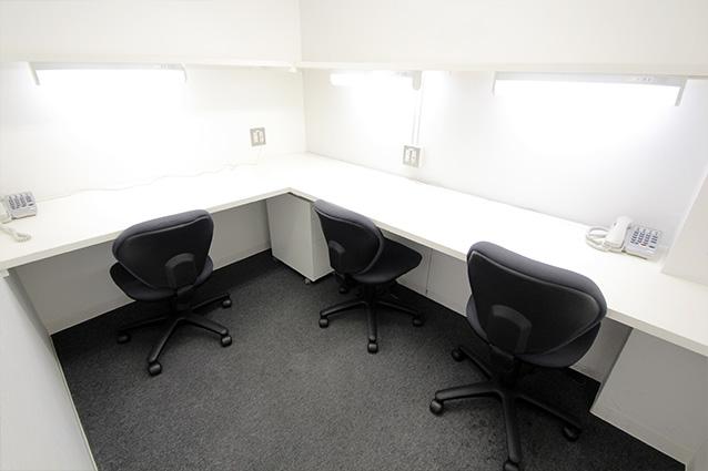 3名様用のお部屋 - レンタルオフィス