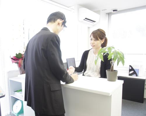 英語対応が可能なスタッフが常駐しております。